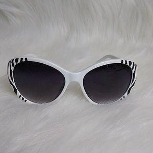 Steve Madden Women's Sunglasses 100 UV Protection